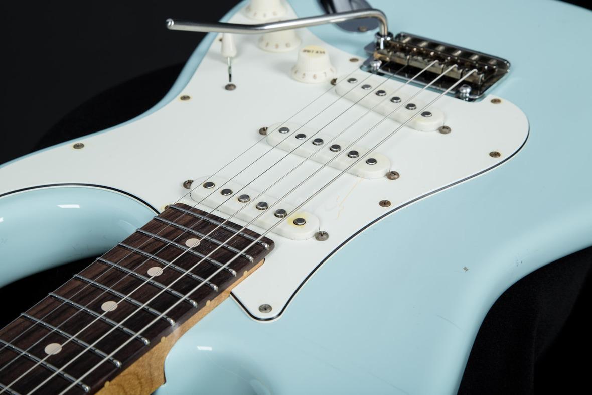 Suhr Classic Antique Sonic Blue Rosewood Peach Guitars