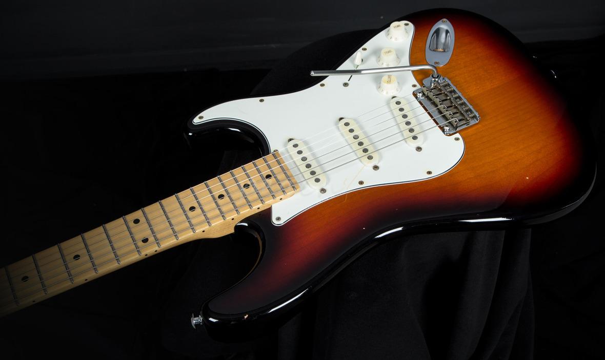 Suhr Classic Antique 3 Tone Burst Maple Neck Peach Guitars