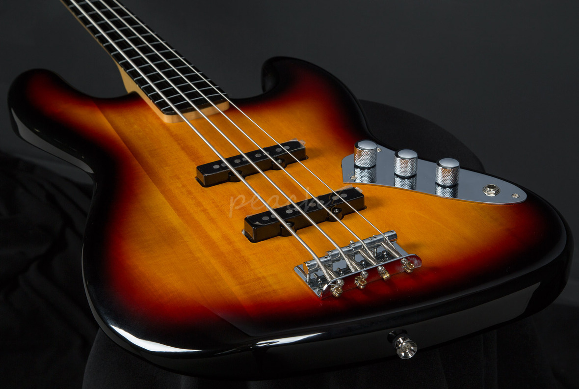 Squier by Fender Vintage Modified Jazz Bass Fretless Review