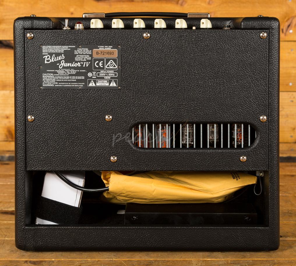 Guitar Accessories Shop  CF Martin amp Co