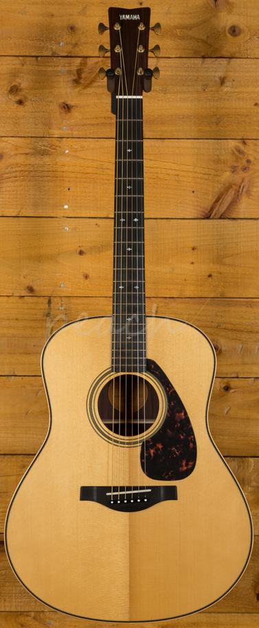 yamaha ll26 are ii handcrafted jumbo natural w hard case peach guitars. Black Bedroom Furniture Sets. Home Design Ideas