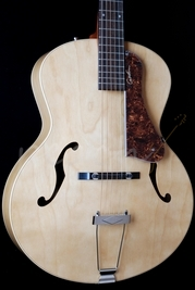 Godin 5th Avenue Natural