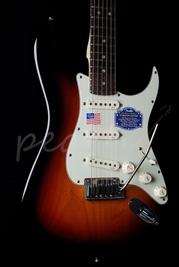 Fender American Deluxe Strat 3 Tone Sunburst Rosewood