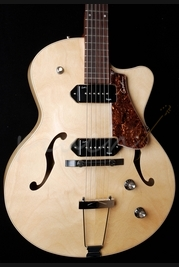 Godin 5th Avenue Kingpin CWII Natural with Case
