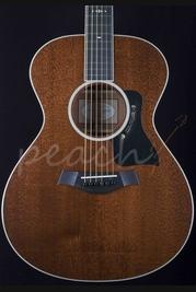 Taylor 522e Mahogany Grand Concert Electro Acoustic