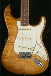 Fender Select Strat Exotic Maple Quilt Iced Tea Burst 2014