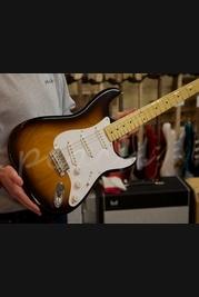 Fender 60th American 1954 Vintage Strat Maple 2 Tone Sunburst