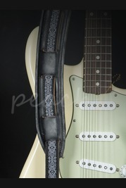 Souldier SSA0548BKO2BK Eisley White on Black saddle strap
