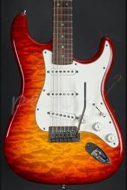 Fender Custom Shop Deluxe Stratocaster Faded Cherry Sunburst 2012 Used