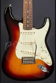 Fender Deluxe Roadhouse Strat Rosewood 3 Tone Sunburst
