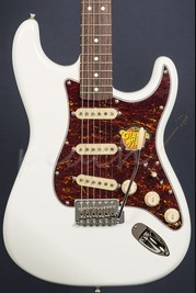 Squier Classic Vibe 60's Strat Olympic White with Torty Guard