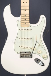 Fender Deluxe Roadhouse Strat Maple Neck Olympic White