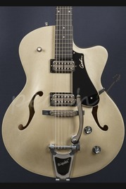 Godin 5th Avenue Uptown Limited Silver/Gold TV Jones