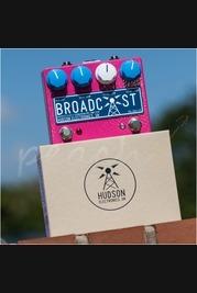 Hudson Electronics Broadcast PG-24V-FS Dual Footswitch Magenta