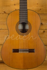 Yamaha CG122MC Solid Cedar Top Classical Natural