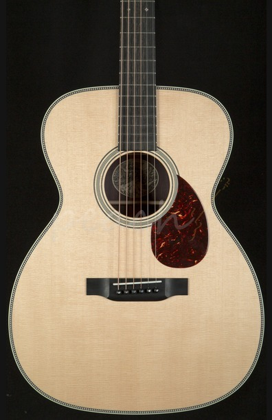 Collings OM2H with hard case