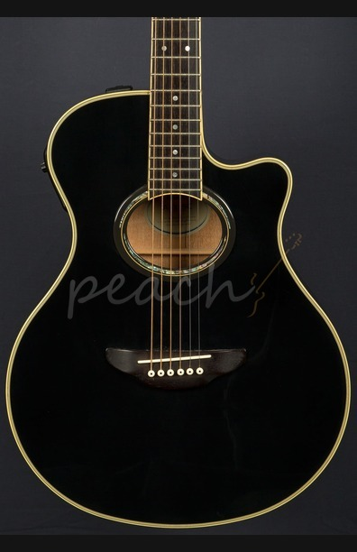 Yamaha APX Black Used